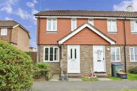 Meadow Grove, Sellindge, Ashford, Kent. 2 bedroom end of terrace house