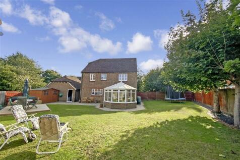 Goldings Close, Kings Hill, Kent. 4 bedroom detached house