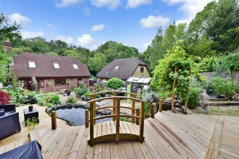 Valley Lane, Culverstone, Meopham, Kent. 3 bedroom detached house for sale