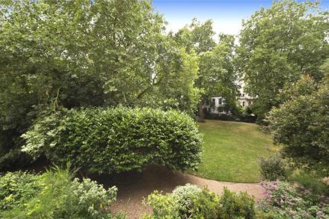 Stanley Crescent, Notting Hill, W11. 2 bedroom apartment