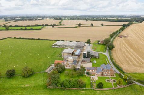 Lumley Lane, Kirkby Fleetham. Farm house for sale