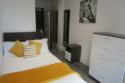 Broadway, Peterborough. 1 bedroom flat share