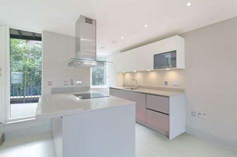 Crest Apartments , Doggett Road, London, SE6 4PZ. 2 bedroom apartment