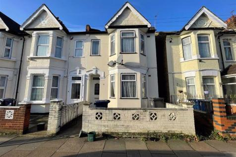 West End Road, Southall, Middlesex. 3 bedroom end of terrace house for sale