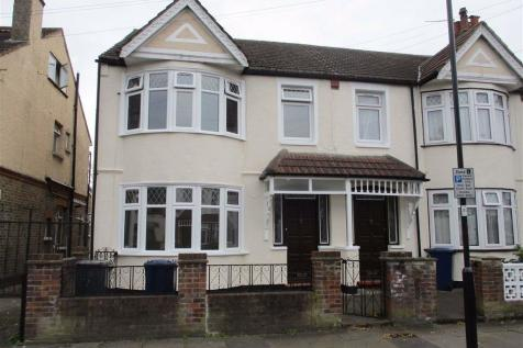 Shackleton Road, Southall, Middlesex. 4 bedroom end of terrace house