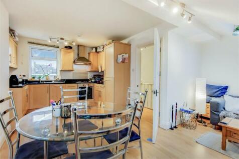 Arodene Road, Brixton. 1 bedroom apartment
