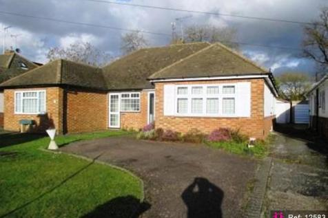 The Crescent, Bedfordshire. 2 bedroom semi-detached bungalow