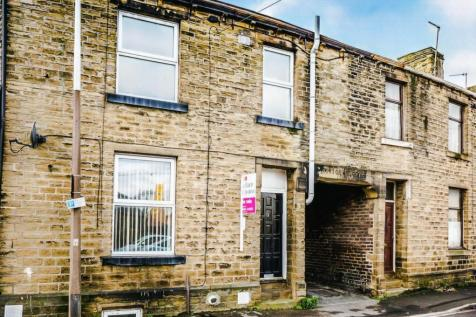 Canal Street, HUDDERSFIELD. 2 bedroom house