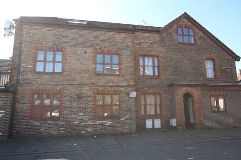 New street, Horsham. 2 bedroom apartment