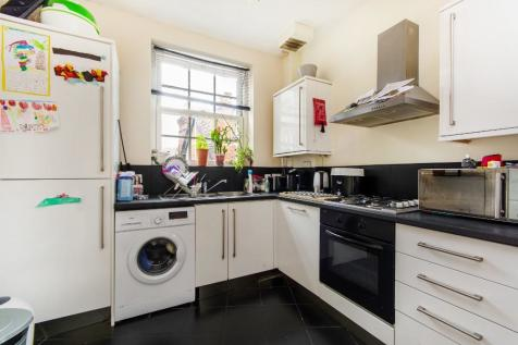 South End, South Croydon, Surrey, CR0. 2 bedroom flat
