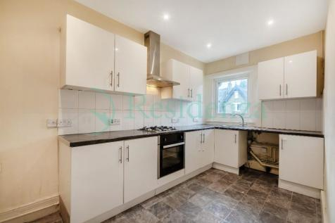 Hopton Road, London, SW16. 2 bedroom flat
