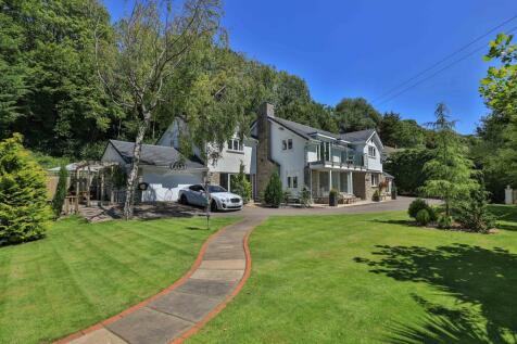 Barren Hill, Penmark, Vale Of Glamorgan. 5 bedroom detached house