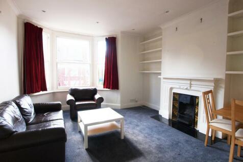Lambton Road, Archway, N19. 3 bedroom flat
