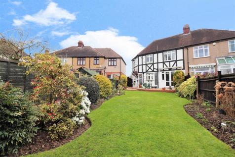 Manor Road, Crayford, Dartford. 4 bedroom house