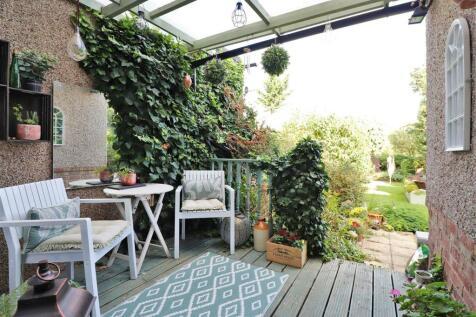 Oakwood Drive, Bexleyheath. 4 bedroom semi-detached house for sale