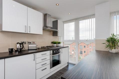 Cotton Square, Claremont Road, Manchester, M14 7NB. 3 bedroom apartment