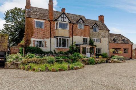 Hinton Parva, Wiltshire. 7 bedroom detached house