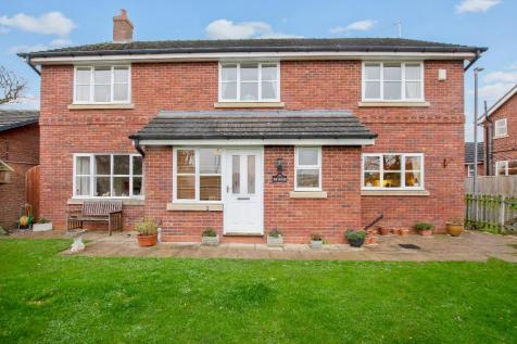 Top House, The Elms, Tallarn Green, Malpas, Cheshire, SY14. 4 bedroom detached house for sale