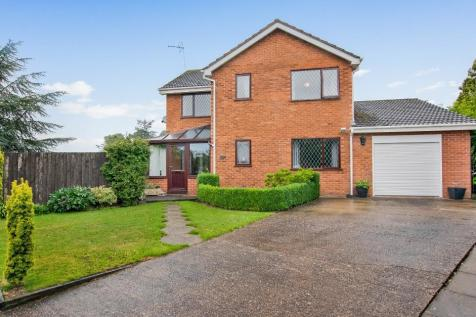 Glascoed, Berrisford Close, Market Drayton, Shropshire, TF9. 4 bedroom detached house
