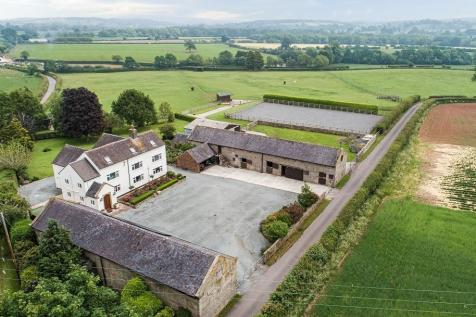 Bearstone, Market Drayton. 6 bedroom equestrian facility for sale