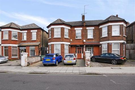 Fordwych Road, Cricklewood/West Hampstead Borders, NW2. 6 bedroom semi-detached house for sale