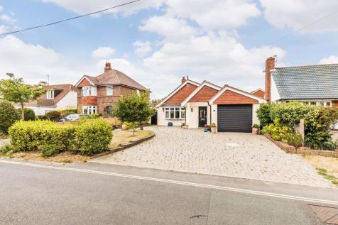 Bound Lane, Hayling Island. 3 bedroom detached bungalow for sale
