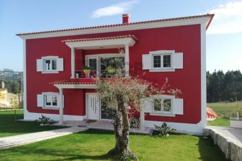Leiria, Caldas da Rainha. 5 bedroom detached house for sale
