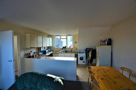 Buckingham Place, City Centre, Brighton, BN1. 2 bedroom flat