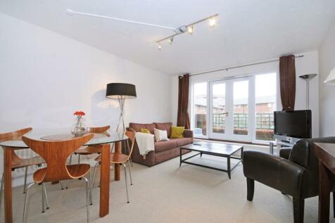 Broadley Terrace, London, NW1. 2 bedroom maisonette