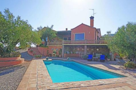 Andalucia, Malaga, Coín. 5 bedroom villa for sale