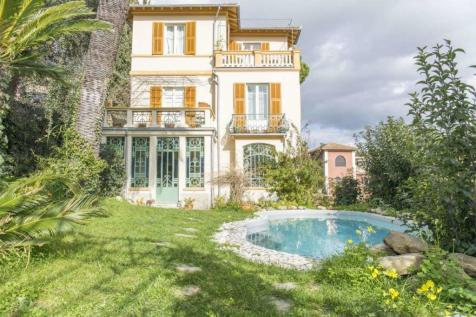 Liguria, Imperia, Imperia. 5 bedroom villa for sale