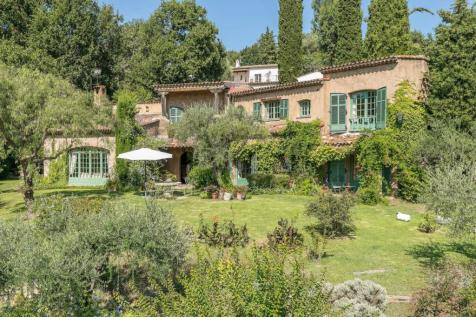 Provence-Alps-Cote d`Azur, Alpes-Maritimes, Saint Paul De Vence. 7 bedroom villa for sale