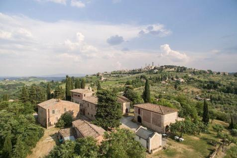Tuscany, Siena, San Gimignano. Commercial property for sale