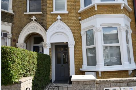 Beresford Road,London,N8. Studio flat