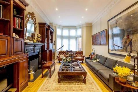 Palace Court, Bayswater. 5 bedroom flat for sale