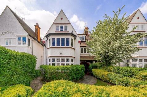 West Heath Drive, Hampstead Borders, London. 4 bedroom house