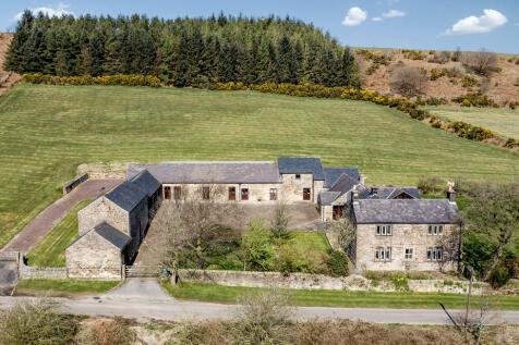 Harewood Road, Holymoorside. 5 bedroom farm house for sale