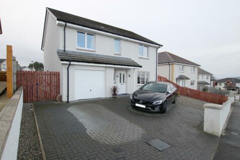 2 Burnside Drive, Westhill, INVERNESS, IV2 5FY. 4 bedroom detached villa