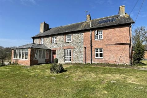 Newbridge-on-Wye, Llandrindod Wells, Powys. 4 bedroom equestrian facility