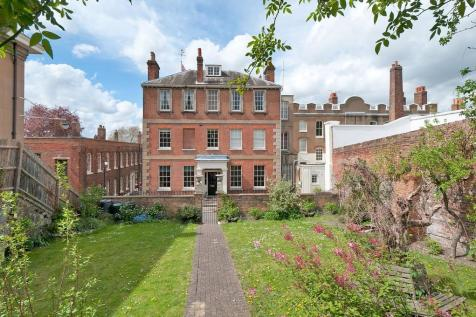 The Historical Dockyard - Stunning Grade II Listed Residence. 9 bedroom detached house