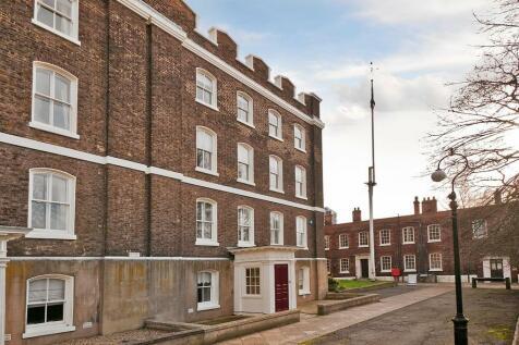 The Historical Dockyard - Stunning Grade I Listed Residence. 6 bedroom town house