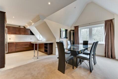 Lakewood, Portsmouth Road, Esher, Surrey, KT10. 3 bedroom penthouse