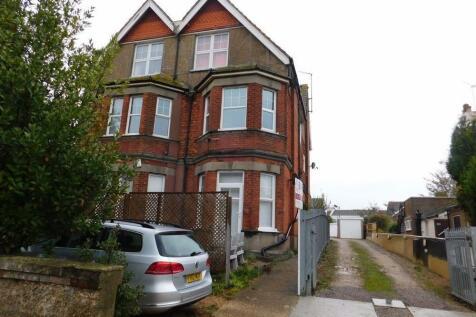 Cranfield Road, Bexhill On Sea, East Sussex, TN40 1QB. 2 bedroom flat