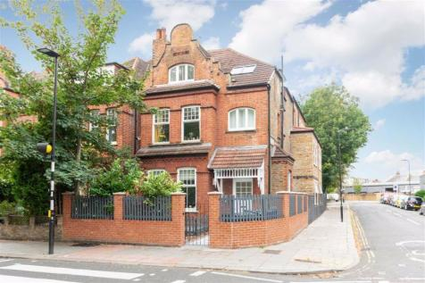 Acton Lane, London. 2 bedroom flat