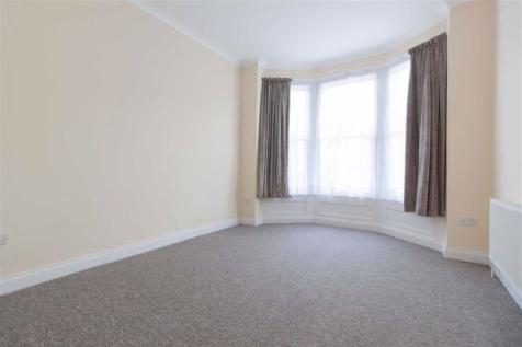 Freeland Road, London. 3 bedroom flat