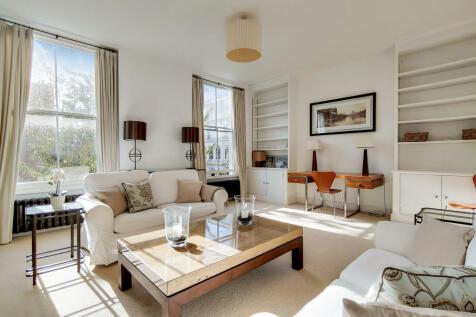 Cathcart Road, Chelsea, SW10. 2 bedroom flat