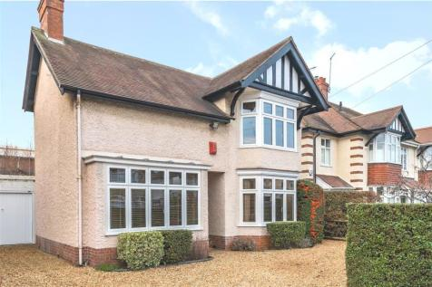 Park Road, Peterborough. 3 bedroom detached house for sale
