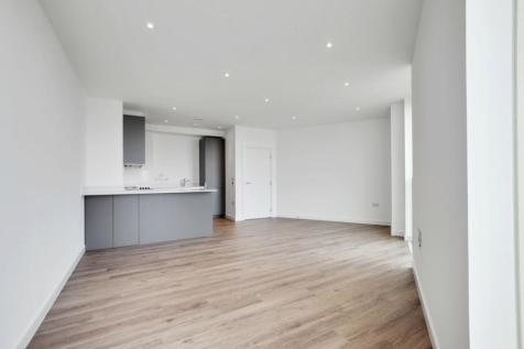 11 Saffron Central Square, Croydon, CR0. 3 bedroom apartment