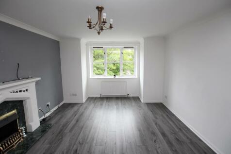 Hamilton Road, Motherwell, ML1 3DG. 3 bedroom flat