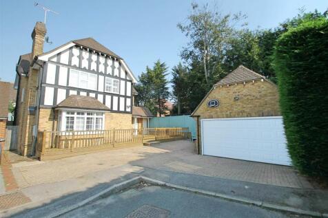 Larken Drive, Bushey Heath. 5 bedroom detached house for sale